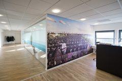 rum i rummet, glasboks, mødelokale, kontor indretning, københavn, lysindfald, grafik, way finding, space planing, danish design,