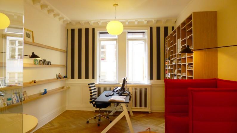 Scandinavian architecture, danish design, arkitektur, indretning, dansk design, Scandinavian design, design, modern design, enkel design, kontor indretning, bogreol, opbevaringsplads, opslagstavle, simpel design
