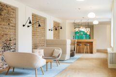 danish design, pastel farver, dansk indretning, rå væge, Hay sofa, hay, hay møblering, installations belysning, About a sofa, scandinavian design, indretning, arkitekt,